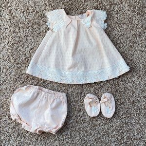 6-9M pale peach/pink l dress/bloomers/shoe set.
